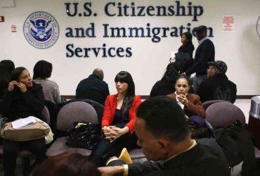 Офисы иммиграционной службы закрываются из-за непогоды