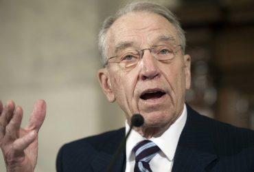 Трамп поддержал законопроект сенатора Грассли по иммиграции