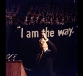 Умер американский проповедник Билли Грэм. Он был советником 12 президентов