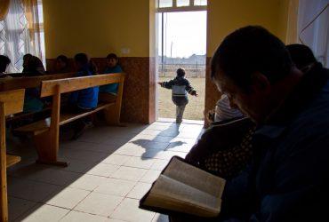 Как адвентисты получили убежище вопреки тому, что нарвались на мошенника