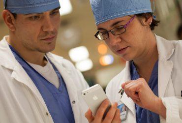 Apple откроет сеть медицинских клиник для сотрудников и их семей