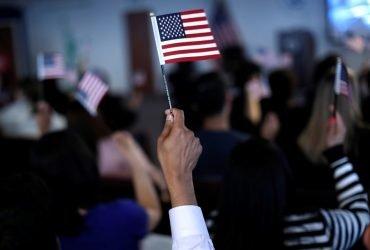 Сколько легальных иммигрантов живет в США и как они приехали