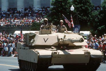 Дональд Трамп хочет провести военный парад в Вашингтоне