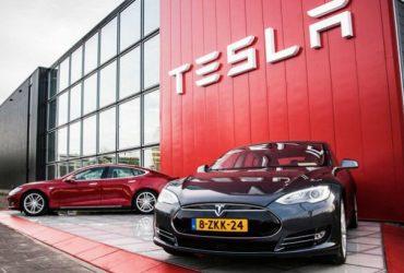 Tesla отчиталась о рекордном убытке, Twitter впервые в своей истории получила прибыль