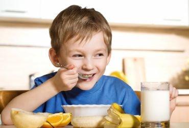 Как ребенок перестал кусаться и начал есть овощи в детском саду