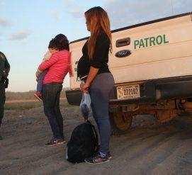 Иммиграционной полиции разрешили задерживать беременных женщин