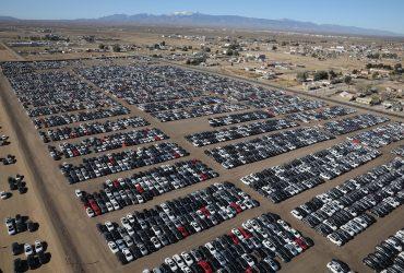 ФОТО: Посреди калифорнийской пустыни хранятся десятки тысяч автомобилей Volkswagen