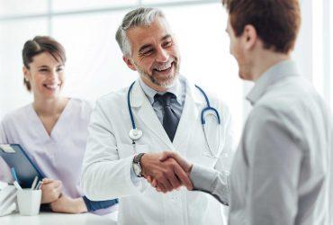 Как врачи могут лишиться лицензии в одном штате и спокойно практиковать в другом