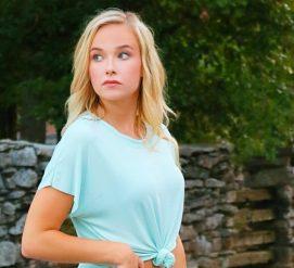 Студентка из Теннесси сфотографировалась на выпускной альбом с оружием. Она стала звездой интернета