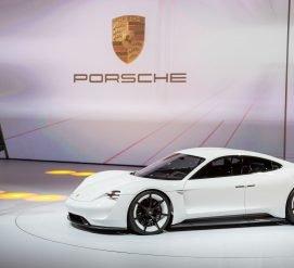 Porsche установит 500 зарядных станций для электромобилей в США