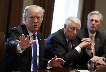 Трамп отказал демократам в диалоге по вопросу депортации детей нелегалов
