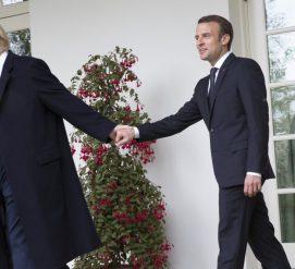 ВИДЕО: Дональд Трамп любит странно пожимать руки. Особенно президенту Франции
