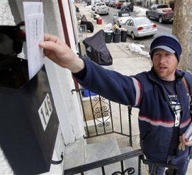 Иммиграционная служба будет уничтожать грин-карты и разрешения на работу, если почта не сможет их доставить