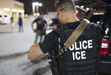 Иммиграционная полиция задержала 156 нелегалов в Чикаго. Их могло быть меньше