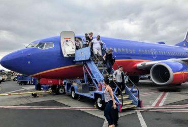 Самолет Southwest Airlines совершил аварийную посадку из-за разбитого иллюминатора