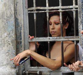 Указ Обамы о трансгендерах в тюрьмах отменен: теперь они почти беспомощны