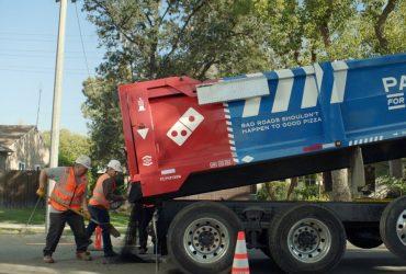 Сеть пиццерий Domino's починит американские дороги