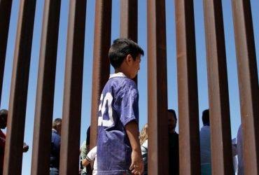 Мальчик-нелегал сбежал в Мексику из центра содержания в Техасе