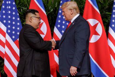 ФОТО, ВИДЕО: Трамп встретился с Ким Чен Ыном — Северная Корея готова отказаться от ядерного арсенала