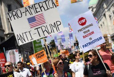 ФОТО: В Лондоне тысячи людей вышли на демонстрацию против Трампа