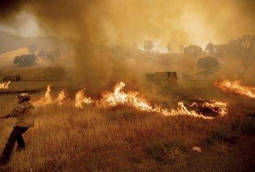 В Колорадо вспыхнул третий по масштабам пожар в США