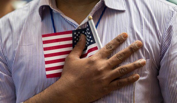 Как мошенники требуют деньги от иммигрантов — особенно родственников нелегалов