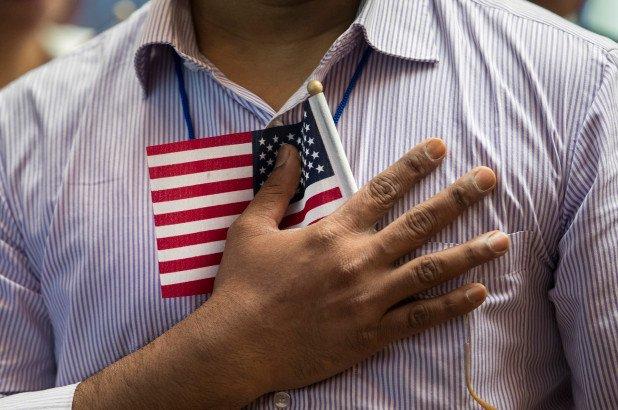 Как мошенники требуют деньги от иммигрантов - особенно родственников нелегалов