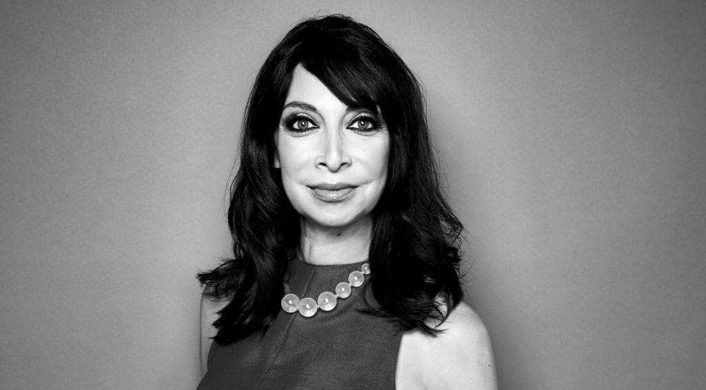 Шесть женщин обвинили генерального директора CBS в сексуальных домогательствах