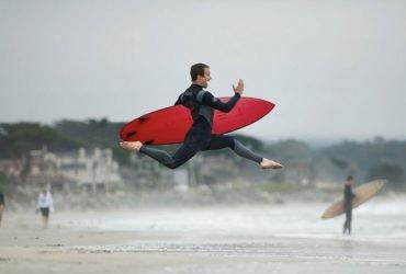 Tesla выпустила фирменные доски для серфинга. Их разобрали за несколько часов