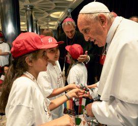 Папа объявил политику «нулевой толерантности» против священников-насильников