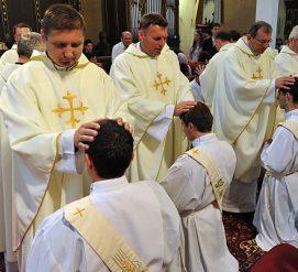 300 католических священников из Пенсильвании обвиняются в сексуальном насилии
