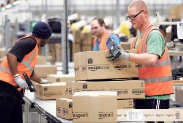 Amazon платит сотрудникам за положительные отзывы на компанию