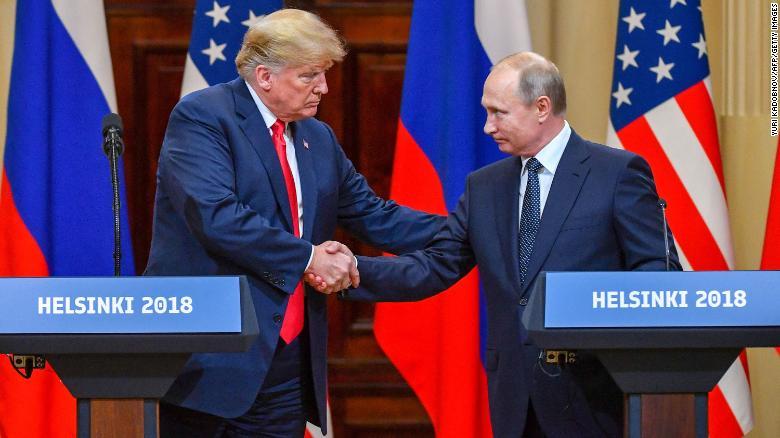 Американский сенатор передал Путину письмо от Трампа