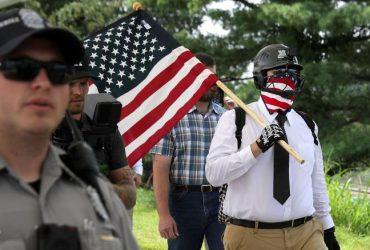 Ультраправые вышли на марш через год после Шарлоттсвилля. Теперь их гораздо меньше