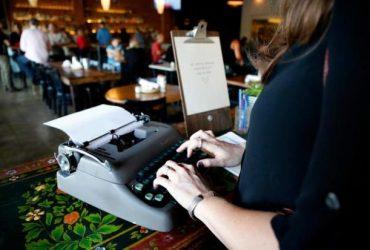 Жителям Аляски пришлось вернуться к пишущим машинкам из-за вируса