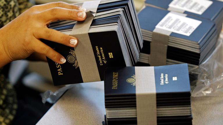Американцам отказывают в выдаче паспортов, если они родились на границе с Мексикой