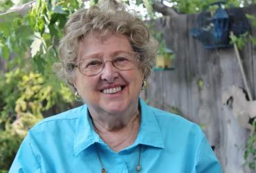 Как 87-летняя американка бесплатно учит иммигрантов английскому языку