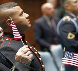 Уволенных солдат-иммигрантов воcстановят на службе