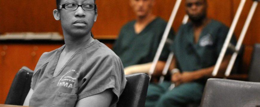 Почему можно попасть в тюрьму из-за одного предупредительного выстрела в целях самообороны