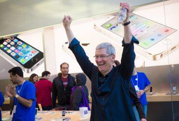 Стоимость Apple достигла триллиона долларов