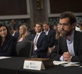 """""""Не справились"""": Facebook и Twitter дали показания в сенате по российскому вмешательству"""