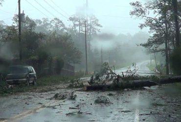 Ураган Флоренс обрушился на Северную Каролину, погибло 7 человек