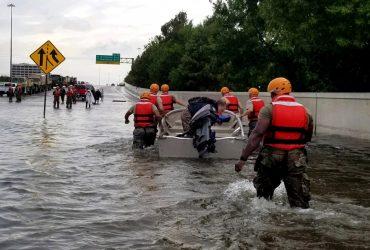 Ураган Флоренс ослабел до второй категории, но все еще опасен