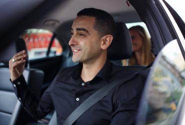 Доходы водителей такси в США упали вдвое