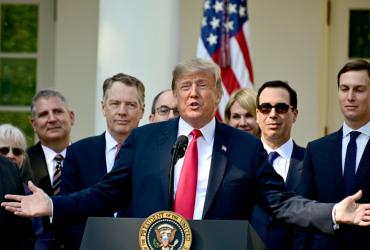 Трамп рассказал, что никогда не пил пива, в защиту судьи-алоголика