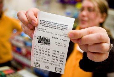 Джек-пот лотереи Mega Millions достиг миллиарда долларов