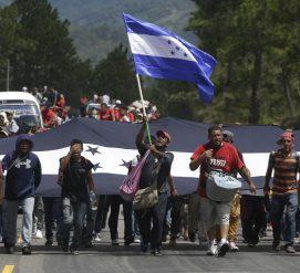 """Трамп угрожает лишить Гондурас помощи из-за приближающегося """"каравана"""" мигрантов"""