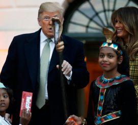 ФОТО: Как Трампы отпраздновали Хэллоуин с детьми в Белом доме