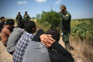 Пограничники задержали 400 000 нелегалов на границе за год