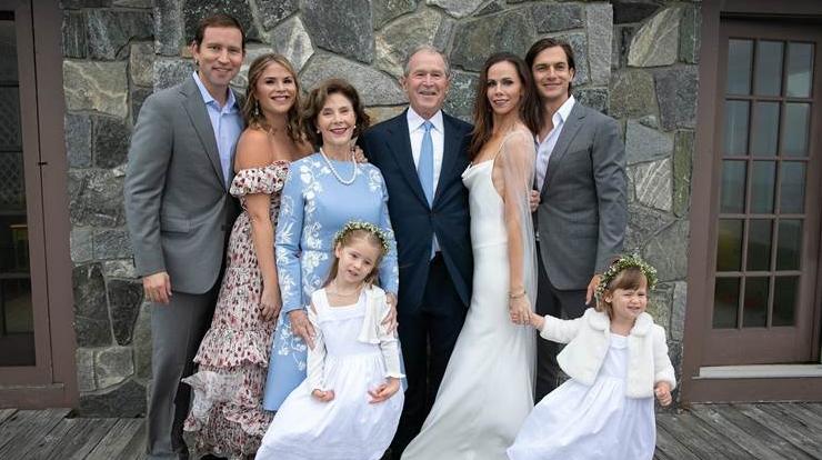 ФОТО: Дочь Джорджа Буша вышла замуж. На свадьбу пригласили лишь 20 гостей